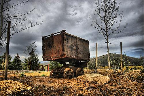 gold mining cart image