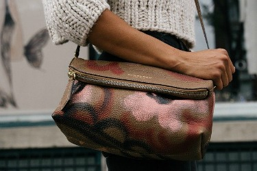11 Best Designer Handbag Affiliate Programs